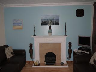Cozy Cottage in Stranraer with Kettle, sleeps 6 - Stranraer vacation rentals