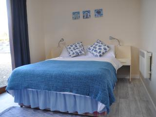 River Lodge - cosy flat to rent in Annascaul - Annascaul vacation rentals