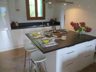 Lovely Townhouse with Internet Access and Dishwasher - Monfumo vacation rentals