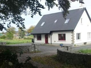 Kinvara Village Holiday Cottage with free WiFi - Kinvara vacation rentals