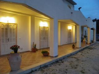 "Le case bianche di ""Mandralì"" - Sciacca vacation rentals"
