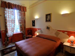 Nice 4 bedroom Bed and Breakfast in Chieti - Chieti vacation rentals