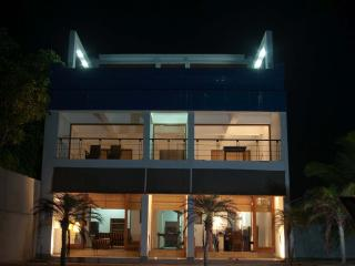 Cozy 3 bedroom Negombo Villa with Internet Access - Negombo vacation rentals