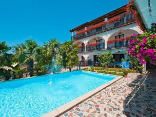 STUDIO WITH POOL/APP PARADIS - Rovinjsko Selo vacation rentals