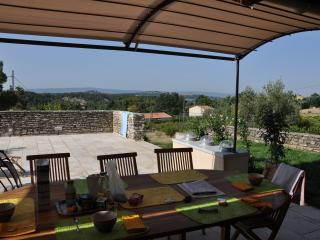 4 bedroom House with Dishwasher in Saint-Saturnin-les-Apt - Saint-Saturnin-les-Apt vacation rentals