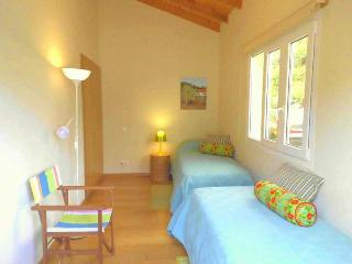 2 bedroom Condo with Internet Access in Madeira - Madeira vacation rentals