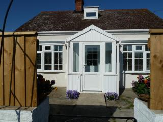 2 bedroom Cottage with Internet Access in Sutton-on-Sea - Sutton-on-Sea vacation rentals
