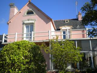 GRANDE MAISON OU 2 APPARTEMENT - Le Guilvinec vacation rentals