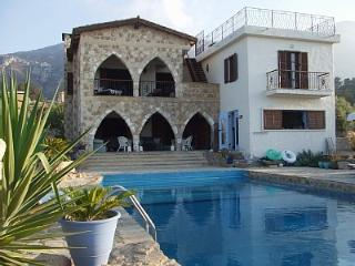 5 bedroom Villa with Internet Access in Bellapais - Bellapais vacation rentals