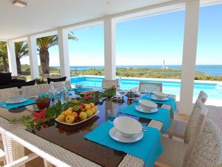 vila alice - Ferragudo vacation rentals