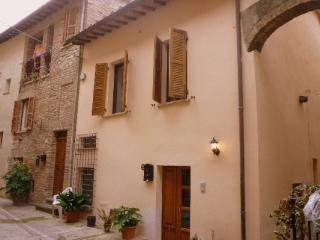 Stunning village house, Umbria - Collepepe vacation rentals