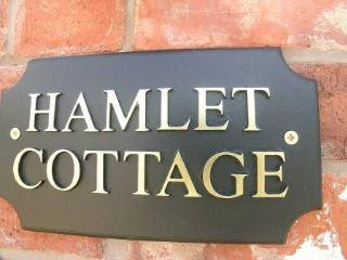 Hamlet Cottage Stratford upon Avon Sleeps 4 - Stratford-upon-Avon vacation rentals