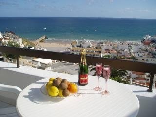 Vista do Mar Apartment - Albufeira vacation rentals