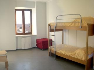 Nice 6 bedroom Bed and Breakfast in Ono San Pietro - Ono San Pietro vacation rentals