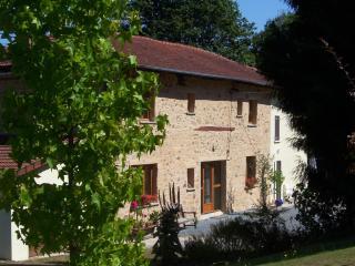 The Olive Tree - Oradour-sur-Vayres vacation rentals