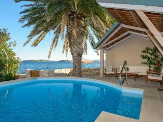 Villa Mare with sea water pool at the beach in Orebic - Peljesac - Orebic vacation rentals