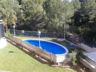 Romantic 1 bedroom L'Ametlla de Mar Condo with Shared Outdoor Pool - L'Ametlla de Mar vacation rentals