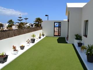 Comfortable 2 bedroom Villa in Yaiza - Yaiza vacation rentals