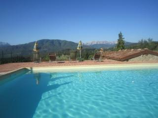Lovely Barn with Internet Access and Television - Castiglione Di Garfagnana vacation rentals
