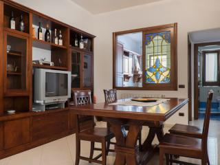 2 bedroom Condo with Internet Access in Minori - Minori vacation rentals