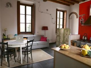 Lovely loft on Naviglio, wifi - Milan vacation rentals