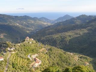 Stunning view, plenty of charm Perinaldo villge - Vallecrosia vacation rentals