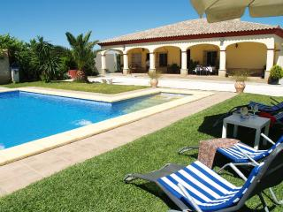 Villa La Debla, in the countryside of Seville - La Puebla de Cazalla vacation rentals