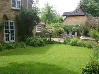 2 bedroom Cottage with Internet Access in Paxford - Paxford vacation rentals