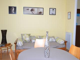 Nice Condo with Internet Access and Television - Lorient vacation rentals