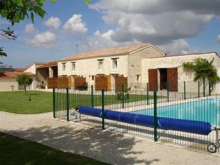 Gîtes Les Oiseaux près La Rochelle - Aytre vacation rentals