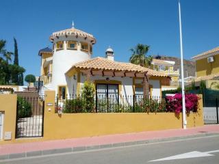 2 Bed villa, FREE Wi-Fi, Private Pool, Air Con - Mazarron vacation rentals