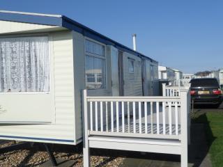 Caravan to rent~hire Skegness - Skegness vacation rentals