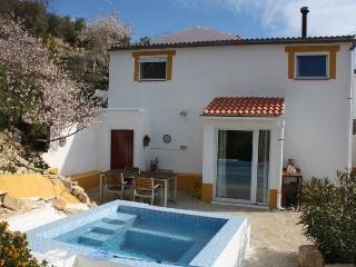Casa con guino - Fuentes de Cesna vacation rentals