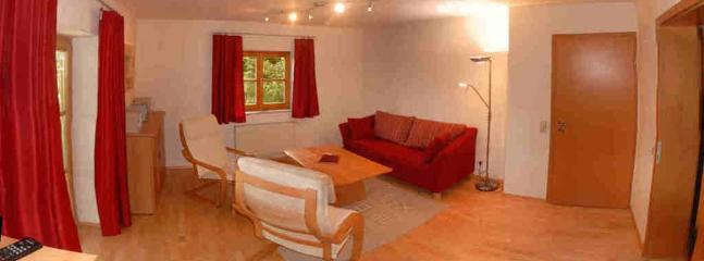LLAG Luxury Vacation Apartment in Trostberg - 730 sqft, modern, stylish, high-quality (# 5275) - Trostberg an der Alz vacation rentals
