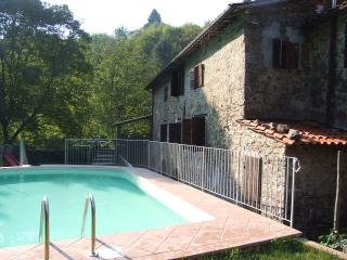 Wonderful Cottage with Internet Access and Private Outdoor Pool - Tereglio vacation rentals