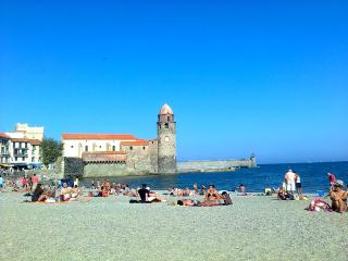 Comfortable Collioure 3-bedroom central apartment - Collioure vacation rentals