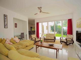 5 bedroom Villa with Internet Access in Saint James - Saint James vacation rentals