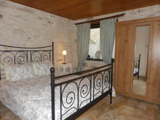 2b Hunter's House Traditional Cottage - Trimiklini vacation rentals