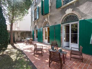 Maison Juliette: luxury 4BR in Carcassonne center - Aude vacation rentals