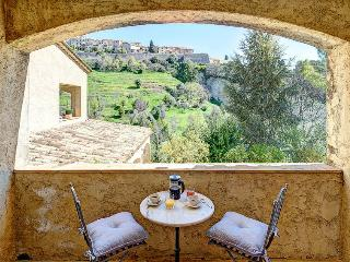 Comfortable Condo with Internet Access and A/C - Saint-Paul-de-Vence vacation rentals