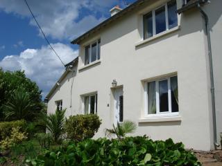 Maison Kerlatoux - Saint Aaron vacation rentals