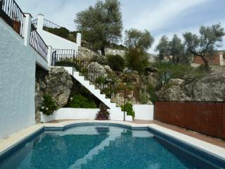 Comfortable Villa with Internet Access and Dishwasher - Canillas de Aceituno vacation rentals