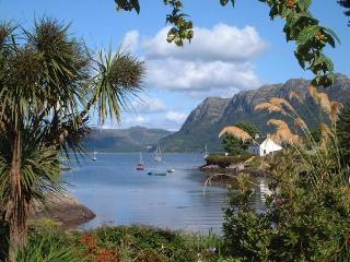 Gorgeous 3 bedroom Plockton Cottage with Internet Access - Plockton vacation rentals
