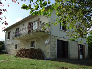 Cozy 3 bedroom Vacation Rental in Pillac - Pillac vacation rentals