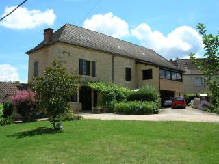 Maison proche Sarlat Périgord Padirac Rocamadour - Gourdon vacation rentals