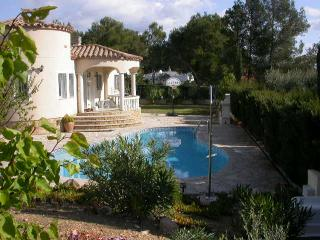 Beautiful 3 bedroom L'Ametlla de Mar Villa with Satellite Or Cable TV - L'Ametlla de Mar vacation rentals