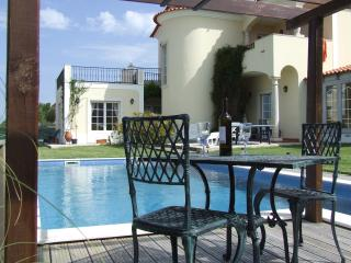 Detached villa overlooking Obidos Lagoon/Atlantic - Foz do Arelho vacation rentals