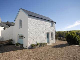 2 bedroom Cottage with Internet Access in Manorbier - Manorbier vacation rentals