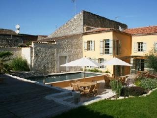 Nice 4 bedroom Townhouse in Vianne - Vianne vacation rentals