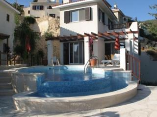 Nice Villa with Internet Access and Grill - Paphos vacation rentals